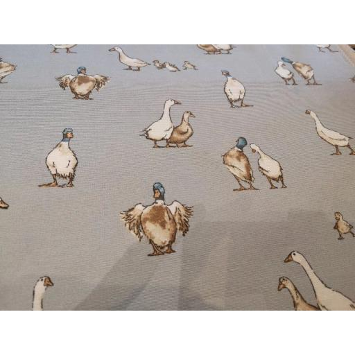 Grey Shabby ducks linen look canvas by Chatham Glyn