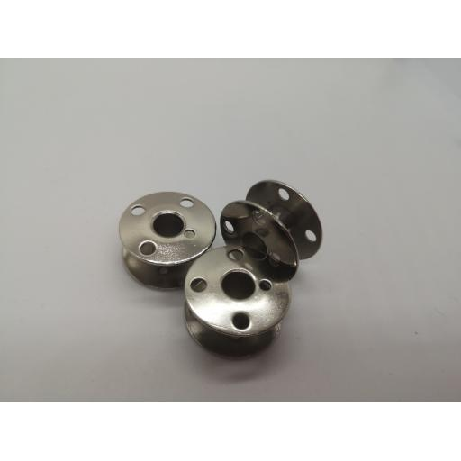 Metal bobbin for industrial sewing machines