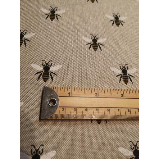 Honey bee, linen look canvas by Chatham Glyn