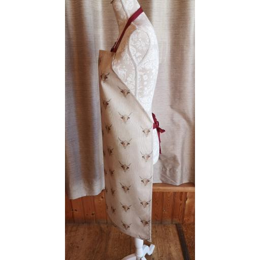 Highland cow apron.jpg